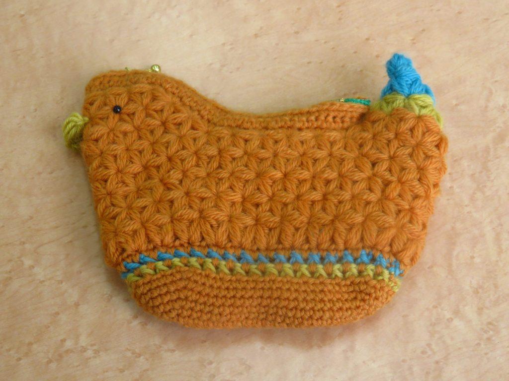 リフ編みの小鳥ポーチ